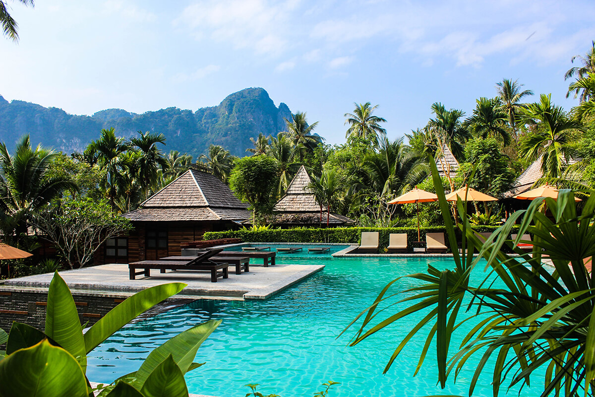 There are many luxury rehab centres in Thailand.