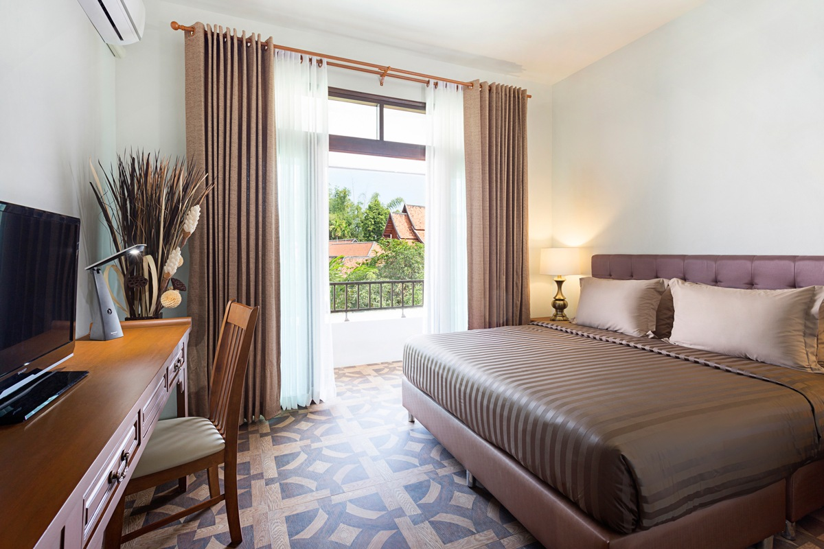 Private accommodation, bathroom, king-size bed and veranda