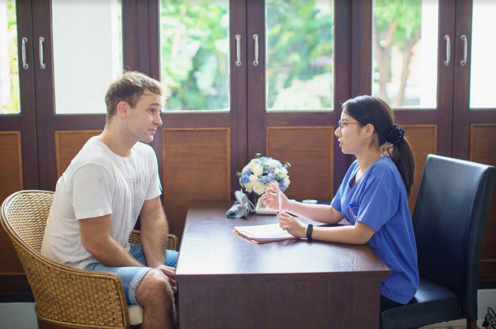 The Dawn Rehab Thailand offers a six-week programme that includes the medical detox.